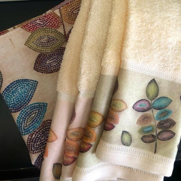 Croscill Bath Mosaic Leaves Shower Curtain Towel Bundle Poshmark
